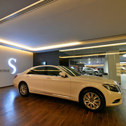 Mercedes-Benz-Showroom