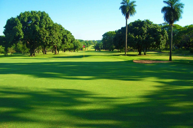 Resort-Yacht-y-Golf-Club-Paraguayo-13