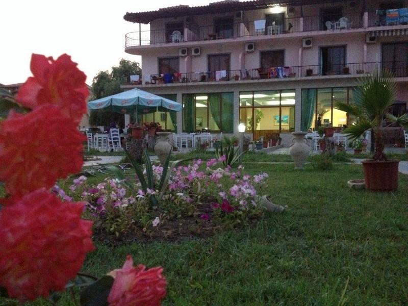Natyra-Al-Hotel-6
